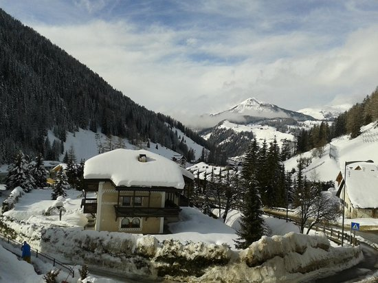 Hotel Alpino Plan: View from room 225