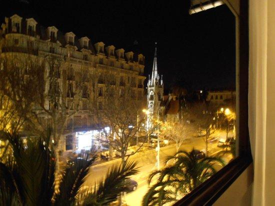 Holiday Inn Nice : Вид из окна