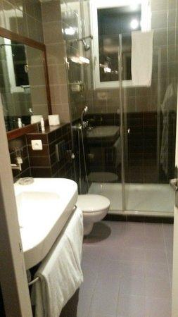 Domaine de la Corniche : Salle de bain chambre 3