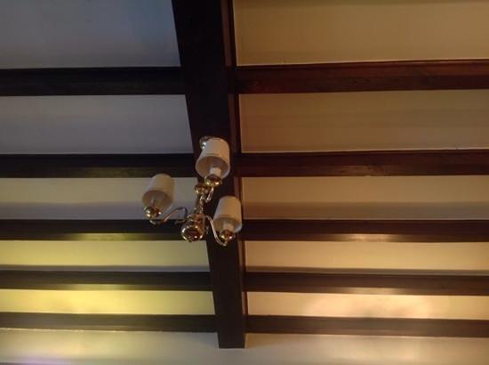 Rowan Tree Country Hotel: love these beams