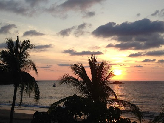 Club Med Ixtapa Pacific: view at sunset from the terrace