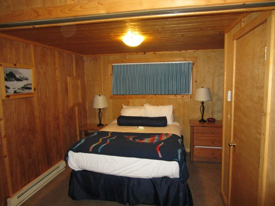 Kalaloch Lodge: Overly Cottage master bedroom