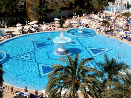 Mediterranean Palace Hotel: Бассейн