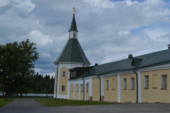 Iver Svyatoozersky Monastery: Башня