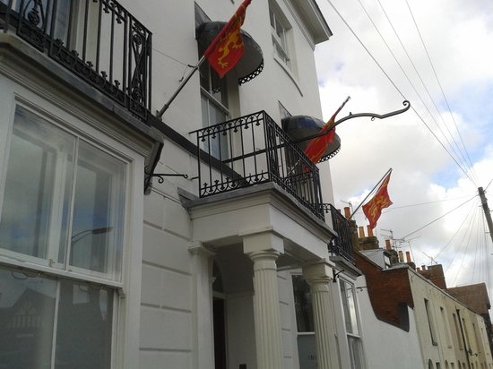 Canterbury Hotel: street view of our room