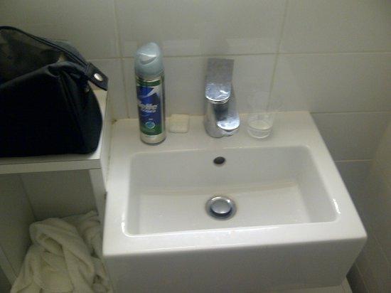 Mercure Thalassa Port Frejus : Le lavabo...