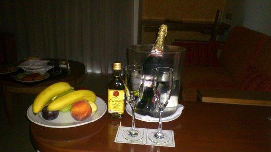 Grand Sirenis Riviera Maya Resort & Spa: Honeymoon gift