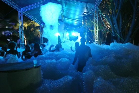 Cofresi Palm Beach Spa Resort Foam Party