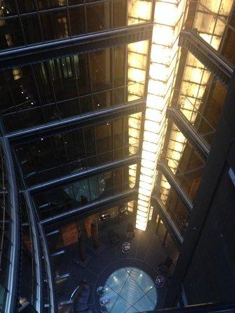 Hotel Urban: Patio interior desde la 5ª planta