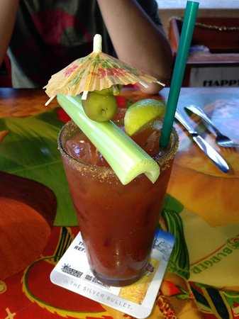 Cheeseburger Island Style: Yummy and cute Bloody Mary