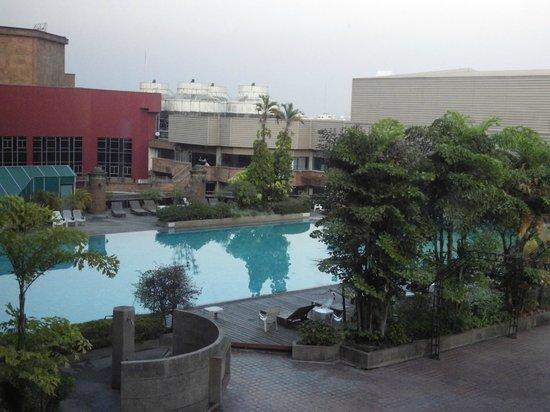 Lotus Hotel Pang Suan Kaew: piscine