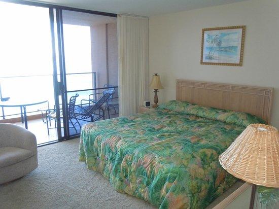 Aston Mahana at Kaanapali : bedroom