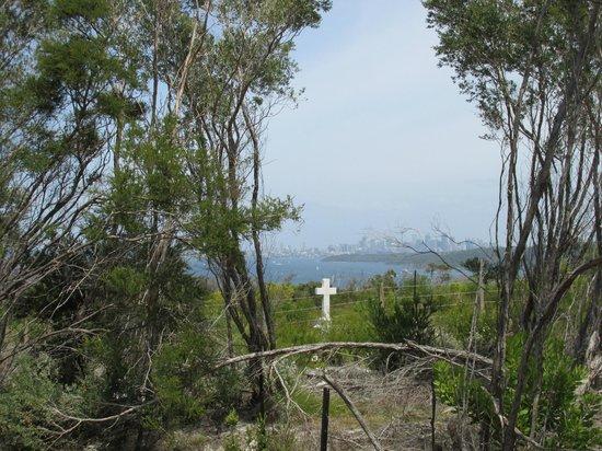 Sydney Coast Walks - Day Walks : Quarantine Cemetery North Head
