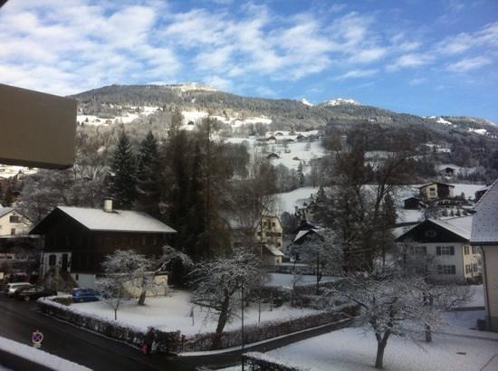 Loewen Hotel Montafon: Uitzicht vanaf balkon.