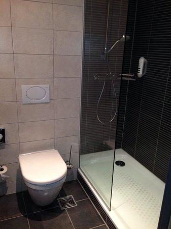 Mercure Hotel Severinshof Koeln City : Das Bad