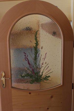 Thermenhof Loipersdorf : Die wunderschön gestaltete Tür zum Schlafzimmer