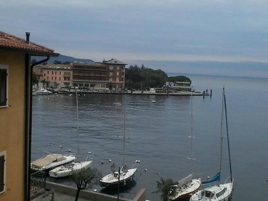 Foto de Hotel Bel Soggiorno, Toscolano-Maderno: Veliero nella sala del ...