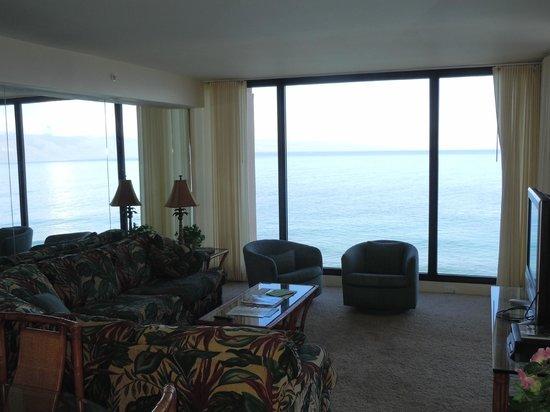 Aston Mahana at Kaanapali : living room