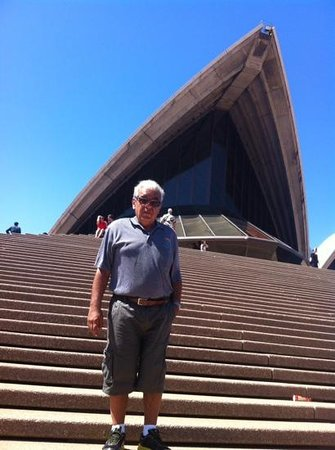 Sydney Opera House : at the steps of the orange leaves opera house