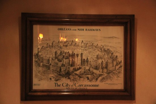 Hotel de la Cite Carcassonne - MGallery Collection : картина в отеле со старой картой города