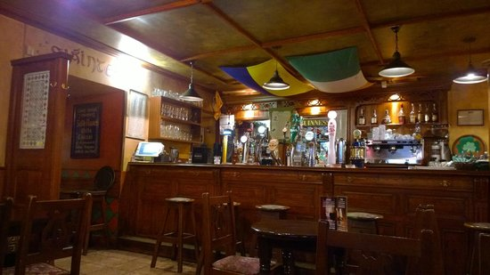 O'Brien's Irish Pub: O'Briens Bar at breakfast time