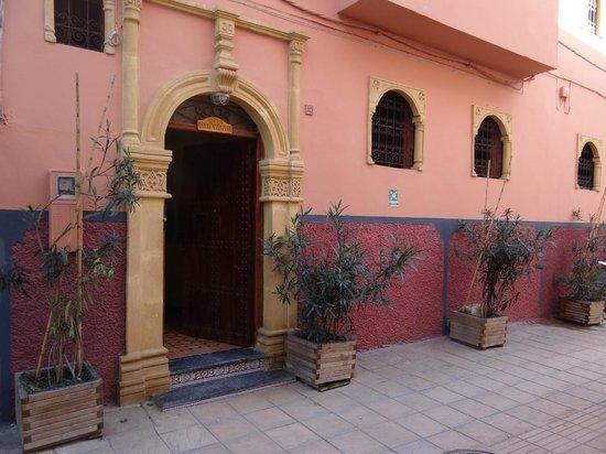 Dar Yanis : Hotel de l'extérieur