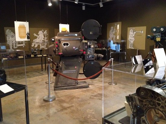 George Eastman House Cafe: cameras history
