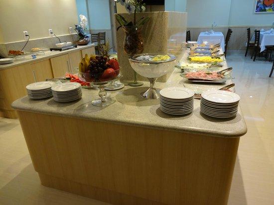 Elegance Praia Hotel: Breakfast Buffet