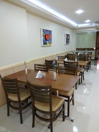 Elegance Praia Hotel : Restaurant