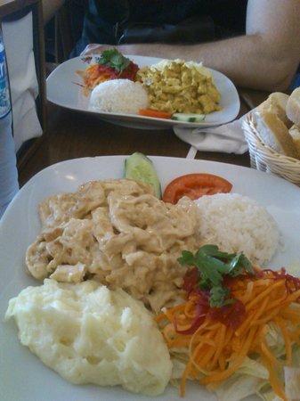 Tikinti Cafe