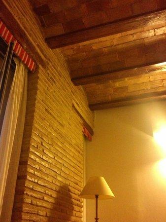 Ad Hoc Monumental Hotel : Un dettaglio della nostra camera... i soffitti sono davvero carini.