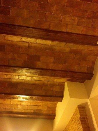 Ad Hoc Monumental Hotel: Dettaglio dei soffitti.