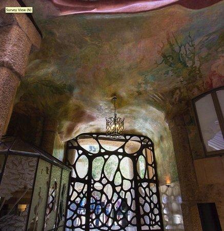 Barcelona Private Tour Guide: Gaudi Apartment Building