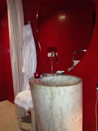 7132 Hotel: Salle de bains chambre 196