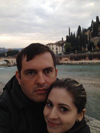 Ponte Pietra: Bela vista ao fim do dia