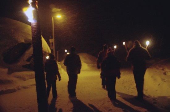 Hotel Christiania: Torch light walk after dinner