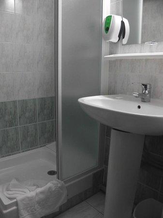 Hotel Salea: salle de bain