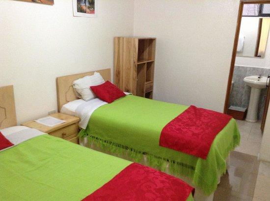 Hostal Hogar Cuencano: Twin con baño