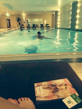 Holiday Inn Reading M4 Jct 10: Pool area