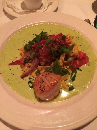 Evan's American Gourmet Cafe : Scallops with pasta