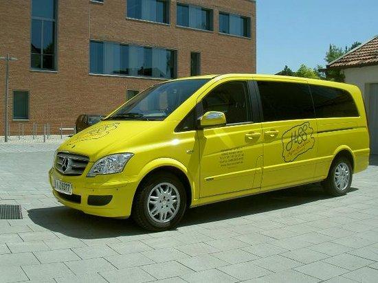Appartement Pension Zum Zacherl: Shuttle Service