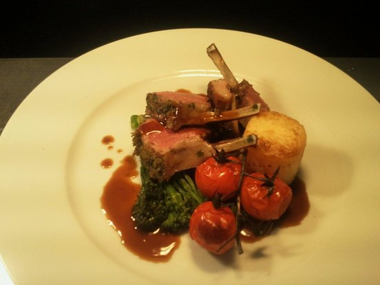 The Carnock Inn: Rack of lamb for valentines yummy