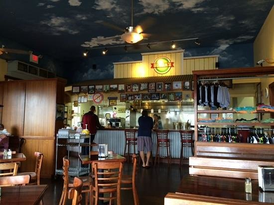 Bubba Burgers: Bubba's at Poipu Beach