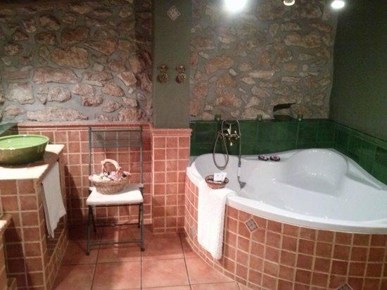 Cal Ganso Encantat: detalle bañera