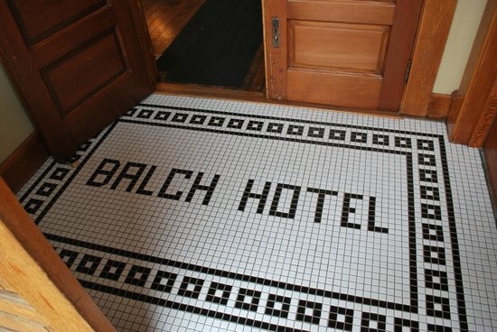 Balch Hotel : Entry tile floor