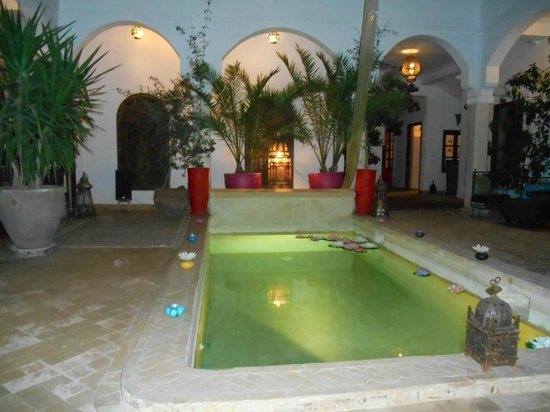 Riad Mandalay : Le Patio la nuit