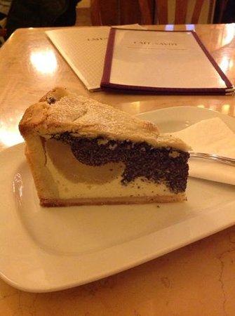 Cafe Savoy: Cake