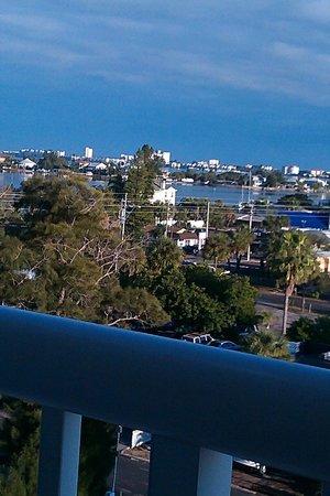 Grand Plaza Beachfront Resort Hotel & Conference Center: BOCA CIEGA BAY COASTAL VIEW LEFT HAND-SIDE