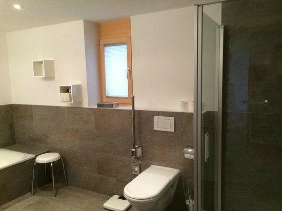Hotel Aristella swissflair: Bathroom