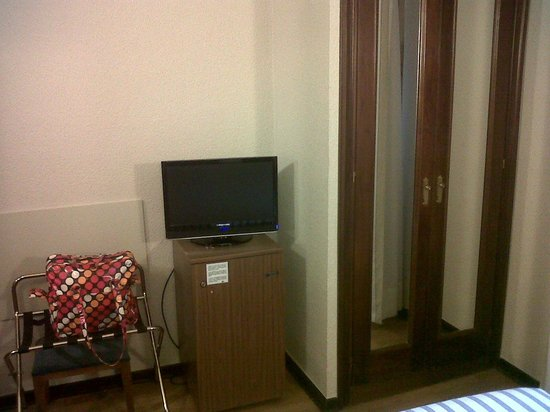 Best Western Hotel Los Condes : international cable tv